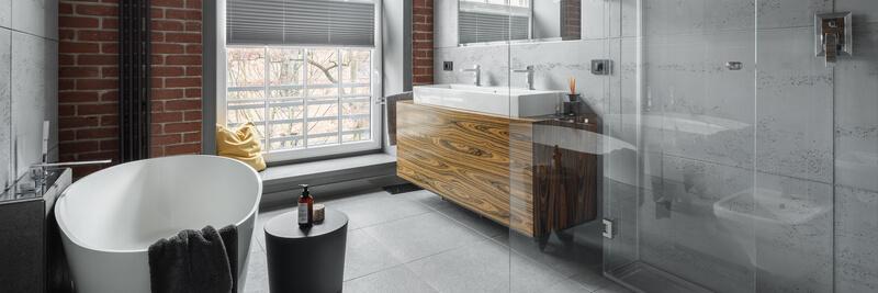 badkamermeubel van hout met staal